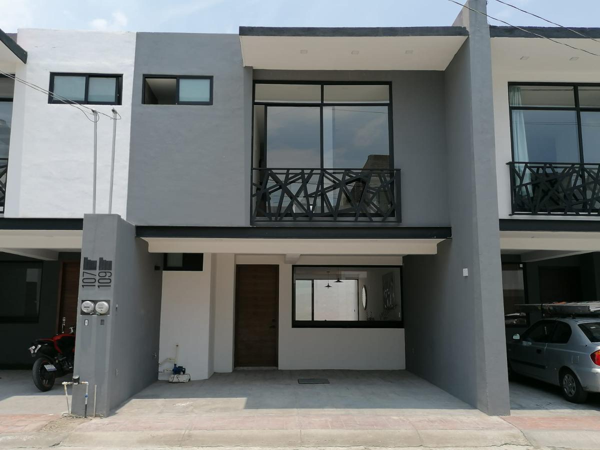 Foto Casa en Venta en  Jardines de Oriente,  León  Casas NUEVAS en VENTA  Jardines de Oriente en privada, 3 recámaras, cochera techada!!!