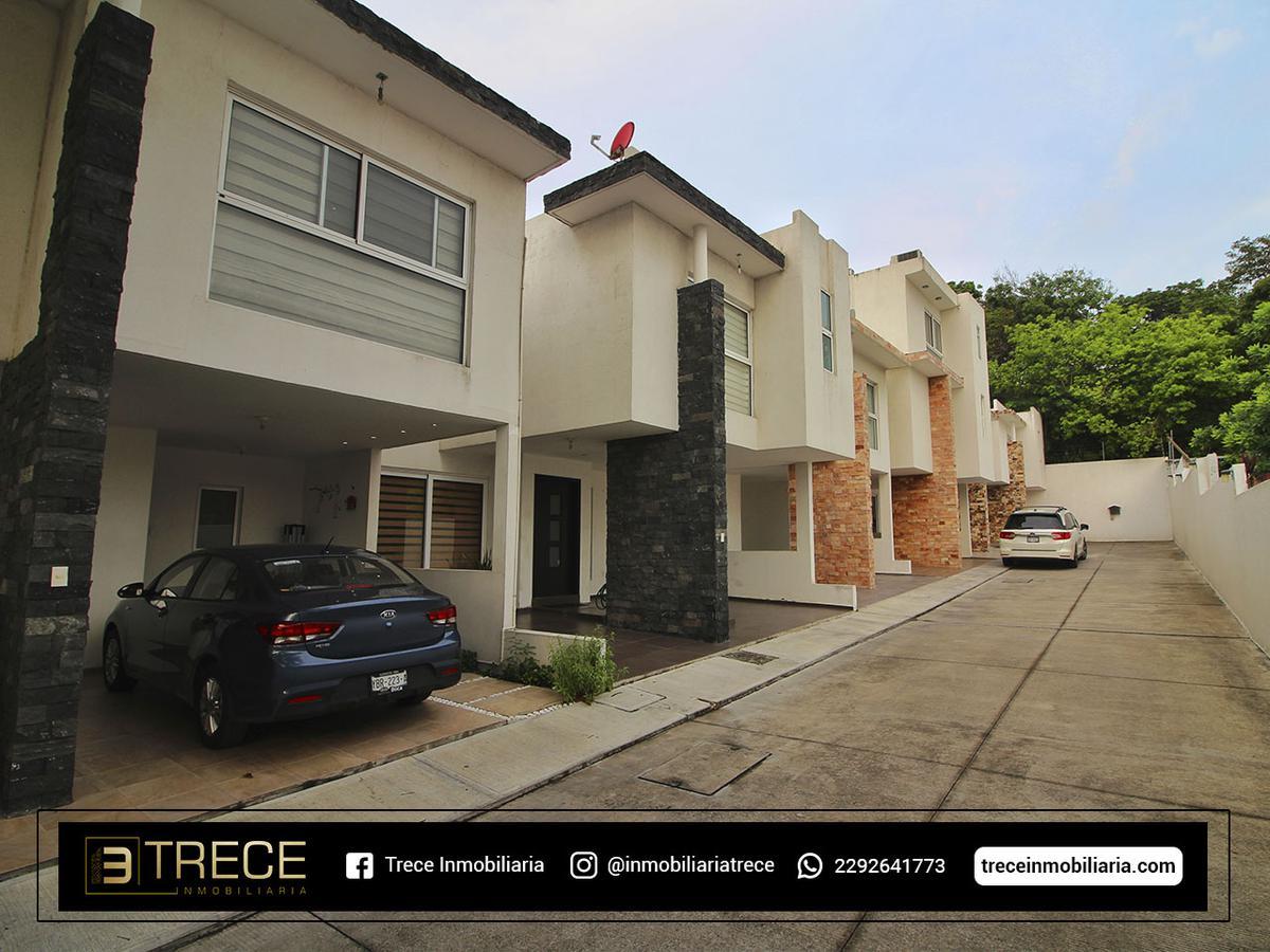 Foto Casa en Venta en  Adalberto Tejeda,  Boca del Río  Adalberto Tejeda