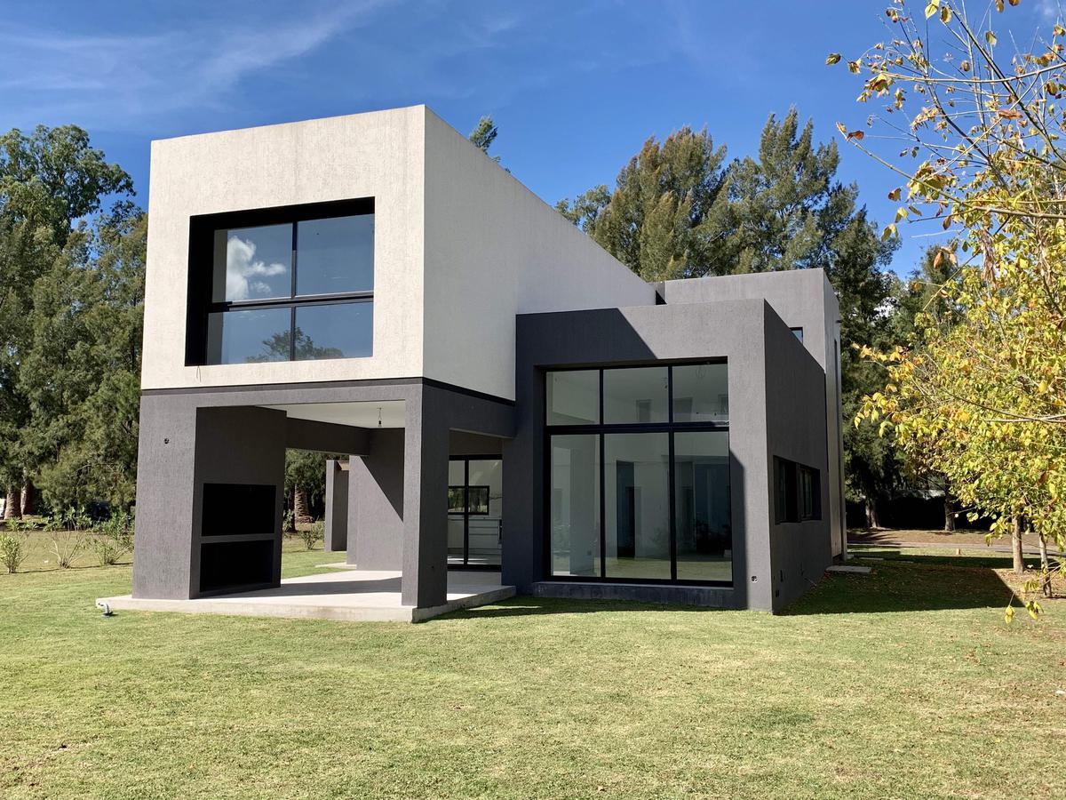 Foto Casa en Venta en  La Reserva Cardales,  Campana  La Reserva Cardales Country club al 100