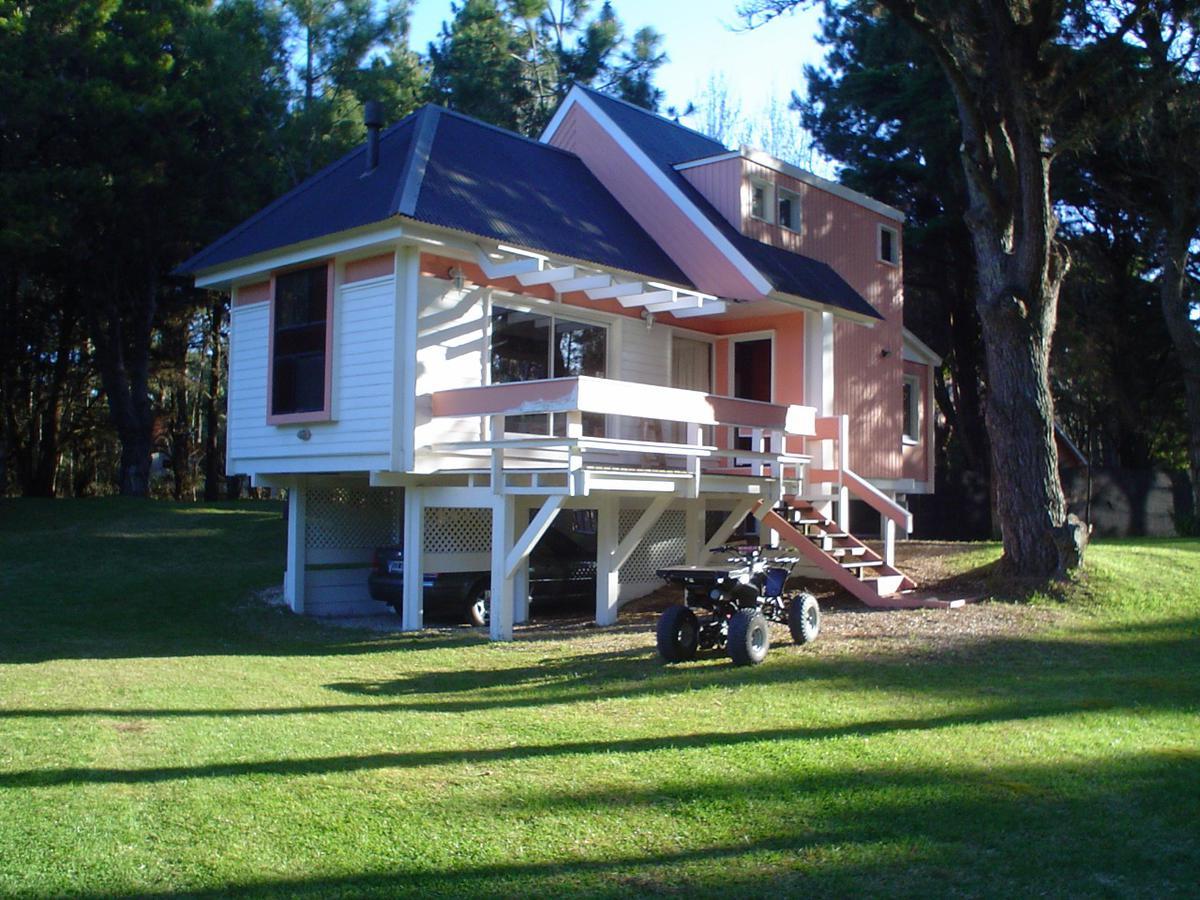 Foto Casa en Alquiler temporario en  Carilo,  Pinamar  Casa en Cariló para 6 personas