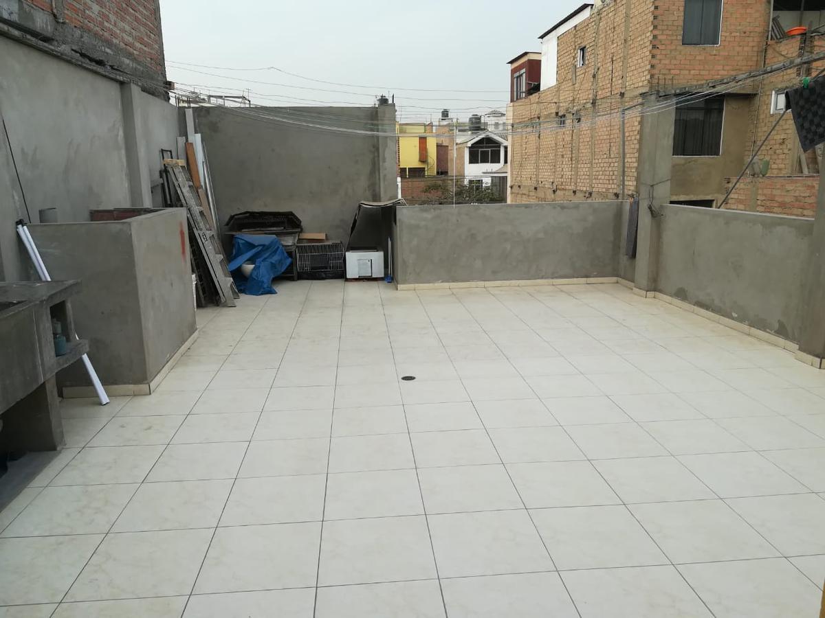 Foto Casa en Venta en  Los Olivos,  Lima  Calle Manuel Pozo