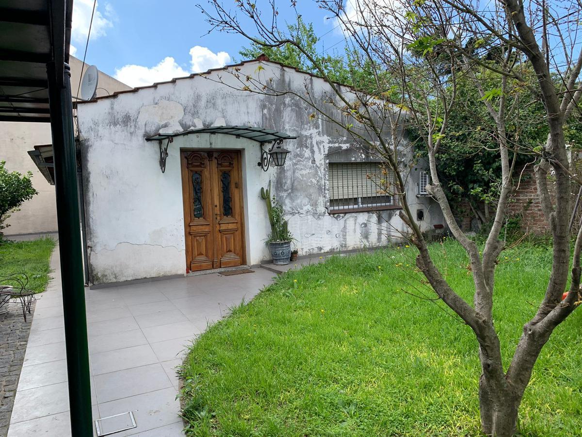 Foto Casa en Venta en  Llavallol,  Lomas De Zamora  LUZURIAGA 701