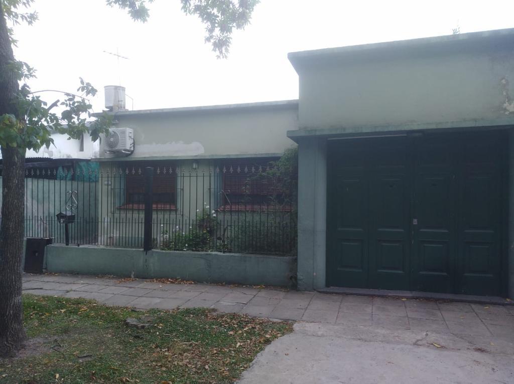 Foto Casa en Venta en  Castelar Norte,  Castelar  Hidalgo al 2200