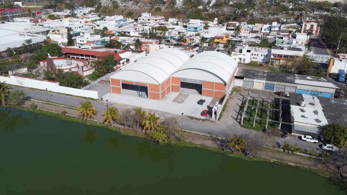 Foto Bodega Industrial en Renta en  Fraccionamiento Floresta,  Veracruz  A una cuadra de Miguel Aleman, Fracc. Floresta, Veracruz, Ver. - Bodega en renta