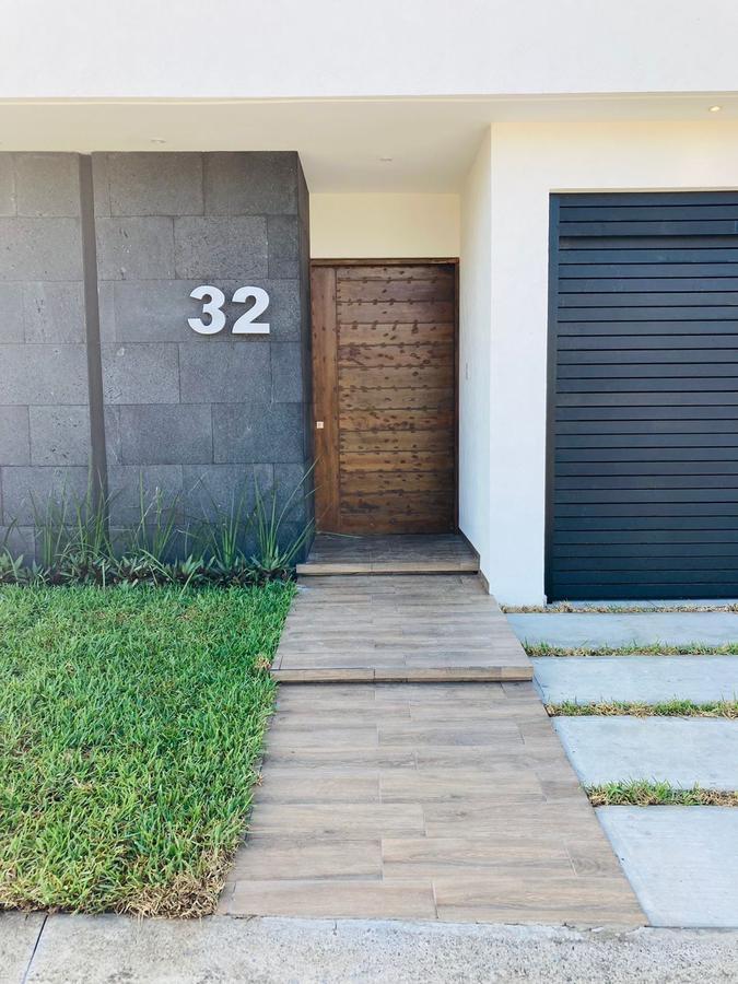 Foto Casa en Venta en  Punta Tiburón,  Alvarado  PUNTA TIBURON, Casa en PREVENTA con recámara en PLANTA BAJA y amplio jardín, Laguna V