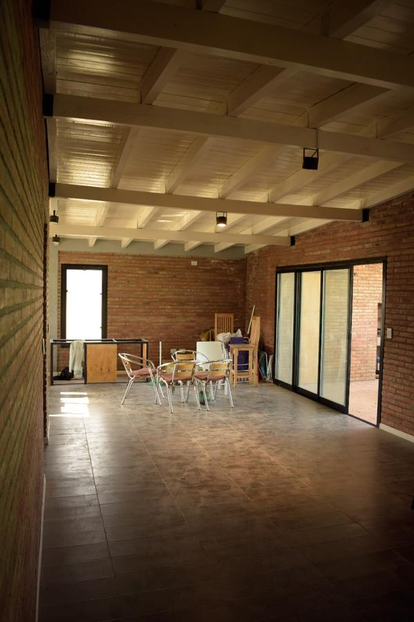 Foto Casa en Venta en  Ibarlucea,  Rosario  Avenida del Límite  al 7500