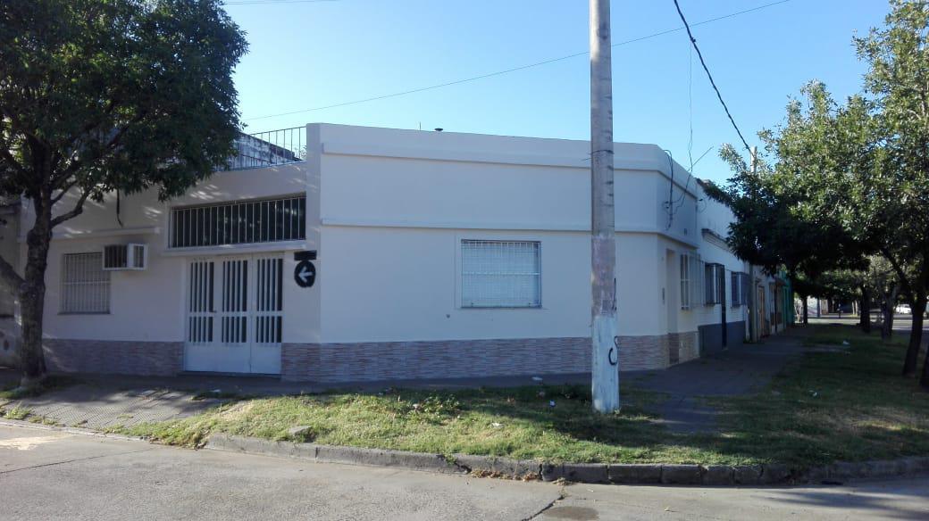 Foto Casa en Venta en  Remedios de Escalada de San Martin,  Rosario  Valparaiso al 1600