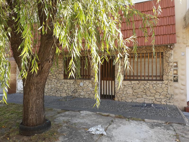Foto PH en Venta en  Lanús Este,  Lanús  Bouchard al 1000