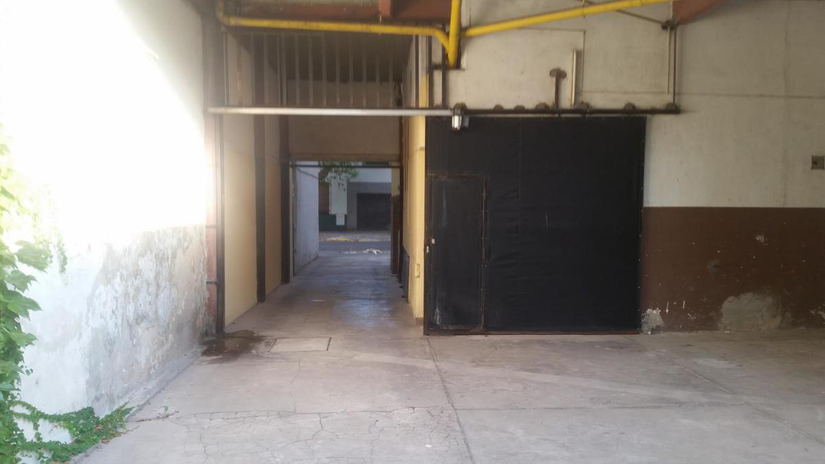 Foto Cochera en Alquiler en  La Plata ,  G.B.A. Zona Sur  43 e 11 y 12 nº 863