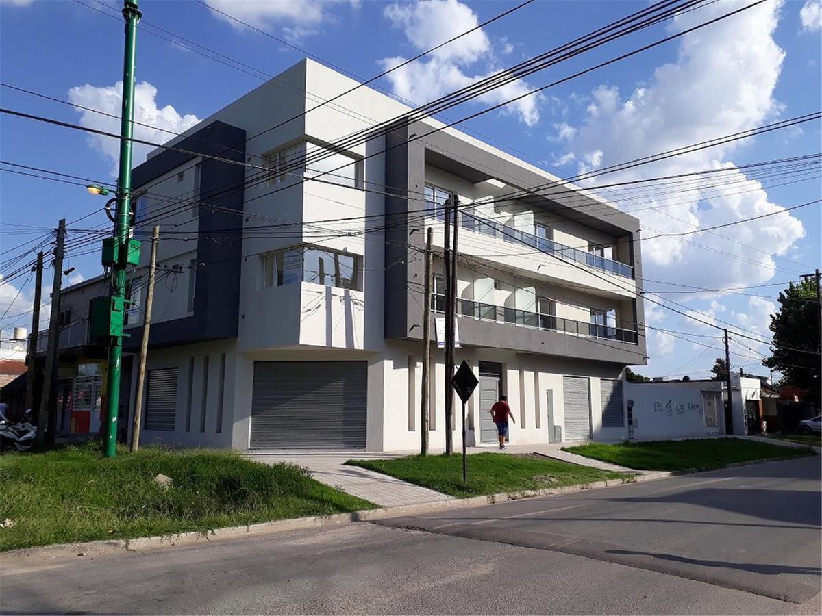 Foto Departamento en Alquiler en  Los Hornos,  La Plata          42 y 137
