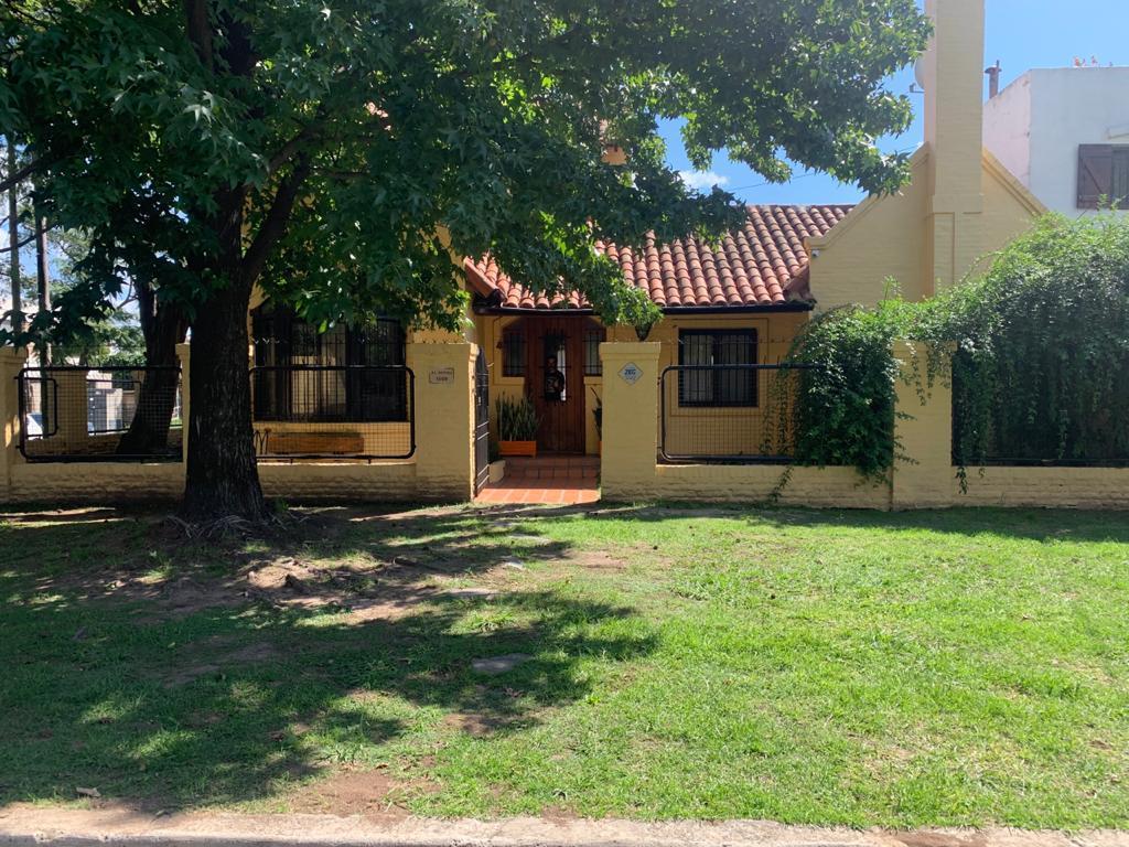 Foto Casa en Venta en  Don Torcuato,  Tigre  Regina al 1500