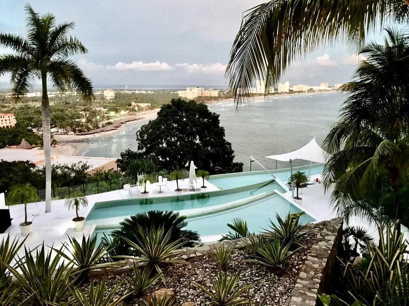Alquiler de Departamento 4 o mas recamaras en Acapulco Fraccionamiento Real Diamante