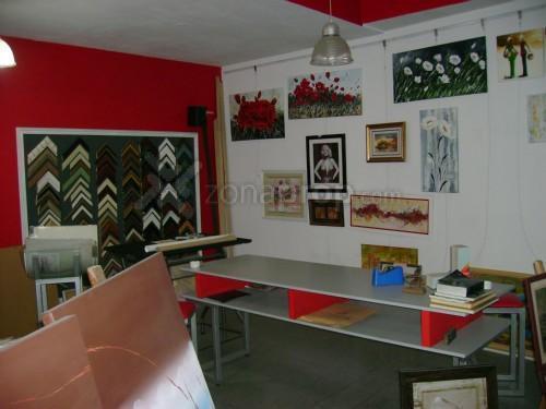 Foto Local en Venta | Alquiler en  Lomas De Zamora,  Lomas De Zamora  Av.h.yrigoyen 7400