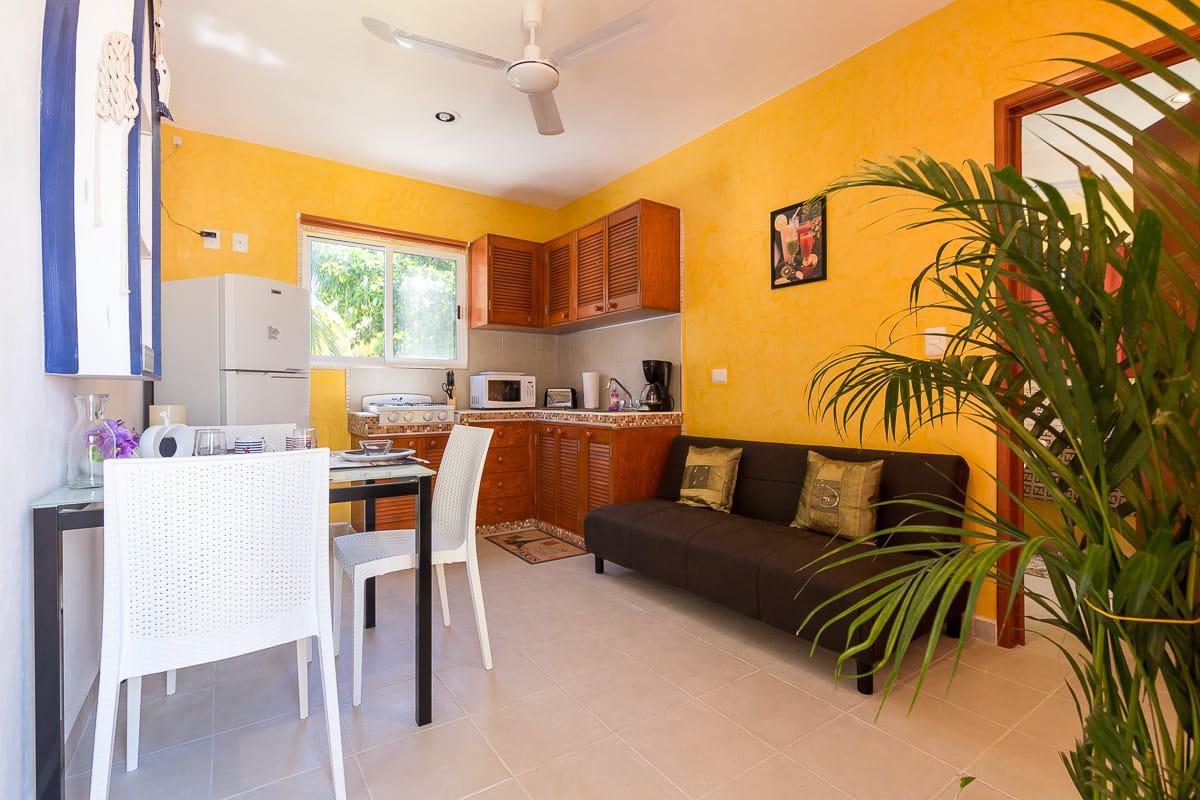 Picture Apartment in Rent in  Solidaridad ,  Quintana Roo  Departamento a 30 metros del mar