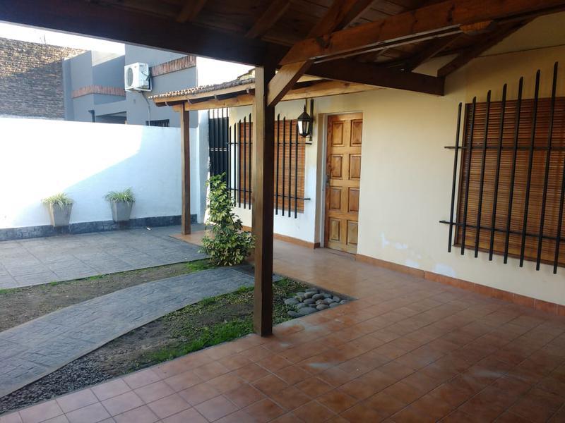 Foto Casa en Venta | Alquiler temporario en  Bella Vista,  San Miguel  Florentino Ameghino al 900