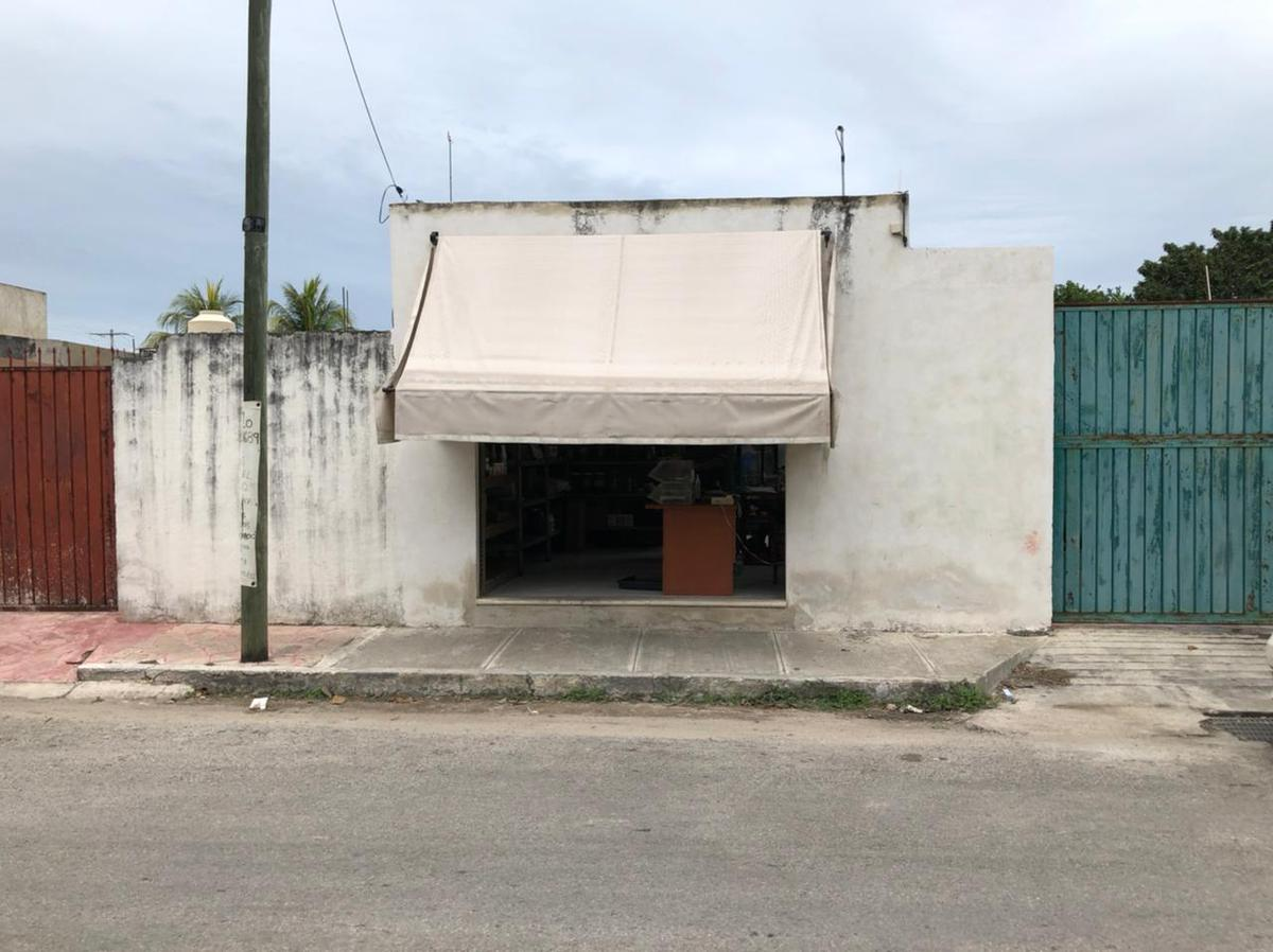 Foto Local en Renta en  Fraccionamiento Nuevo Yucatán,  Mérida  Local de 3.5x11 con cortina de acero al frente, ideal salon de belleza, estetica veterinaria o consultorio