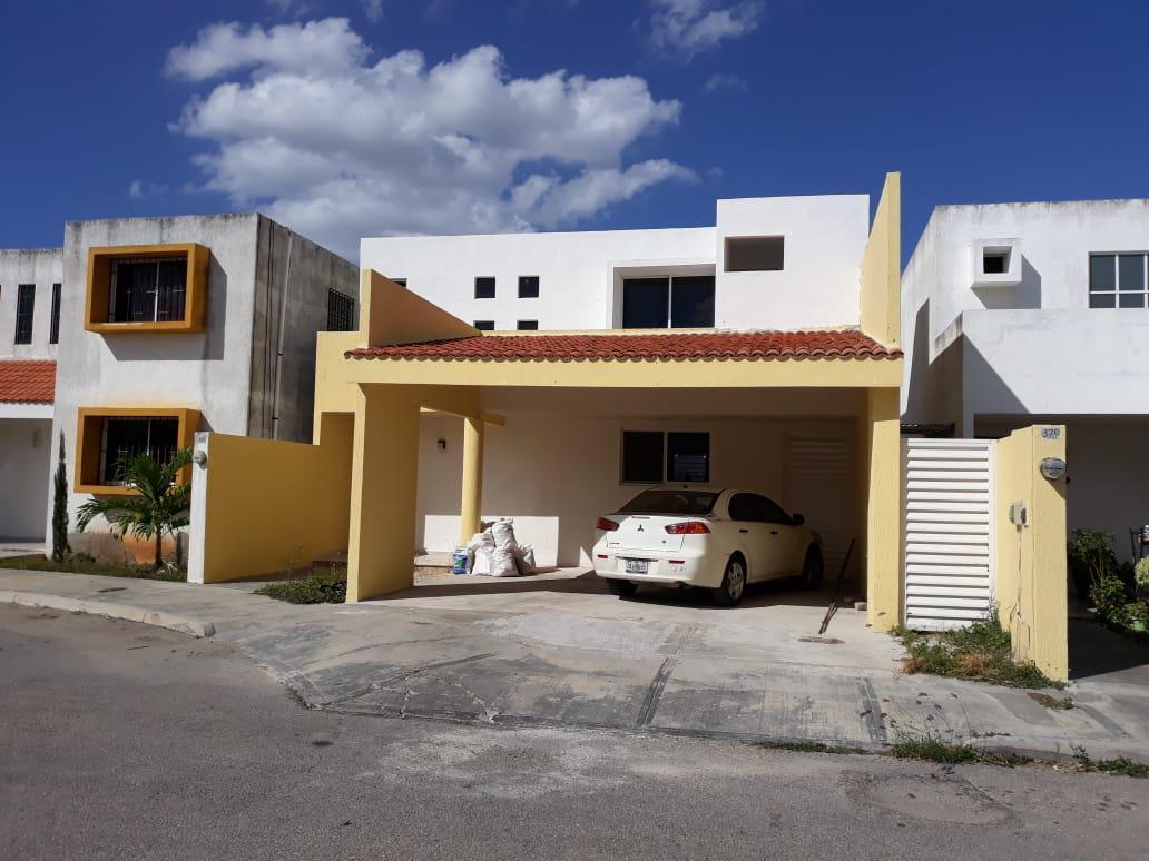 Foto Casa en Renta en  Xcumpich,  Mérida  Casa en renta dentro de Privada Xcumpich con alberca,zona norte en merida yucatan.