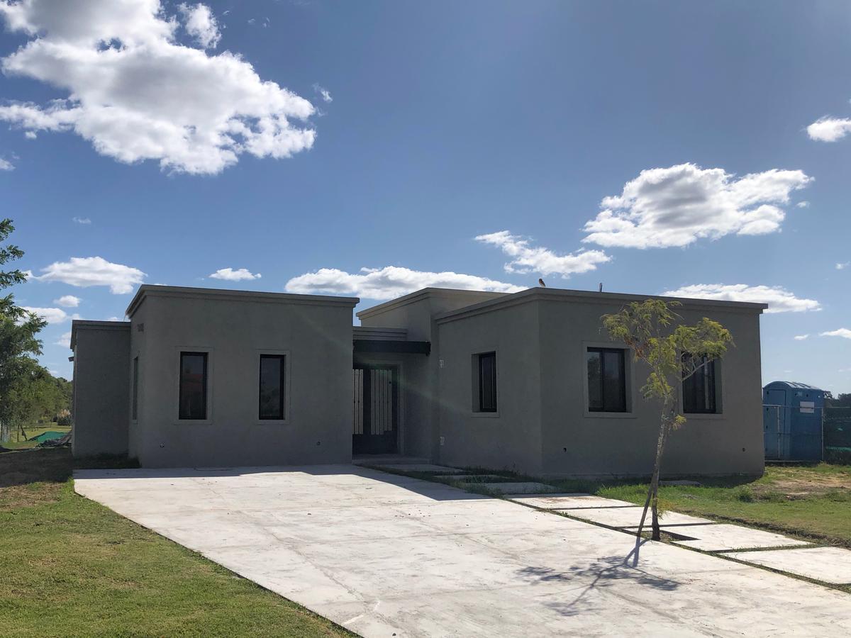 Foto Casa en Venta en  San Matias,  Countries/B.Cerrado (Escobar)  area 1 lote al 100