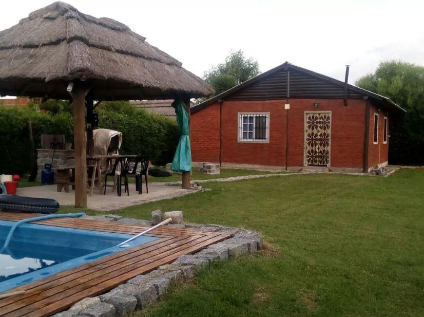 Foto Casa en Venta en  Arturo Segui,  La Plata  434 e/232 y 233
