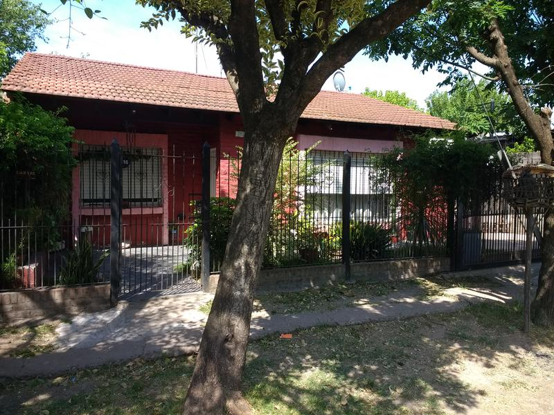 Foto Casa en Venta en  Ituzaingó Norte,  Ituzaingó  OMBU al 2300