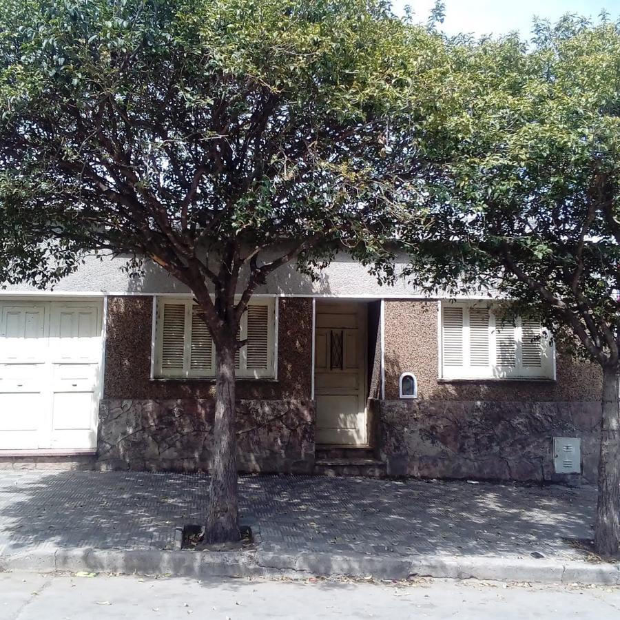 Foto Casa en Venta en  Alto Alberdi,  Cordoba  La tablada al 3000