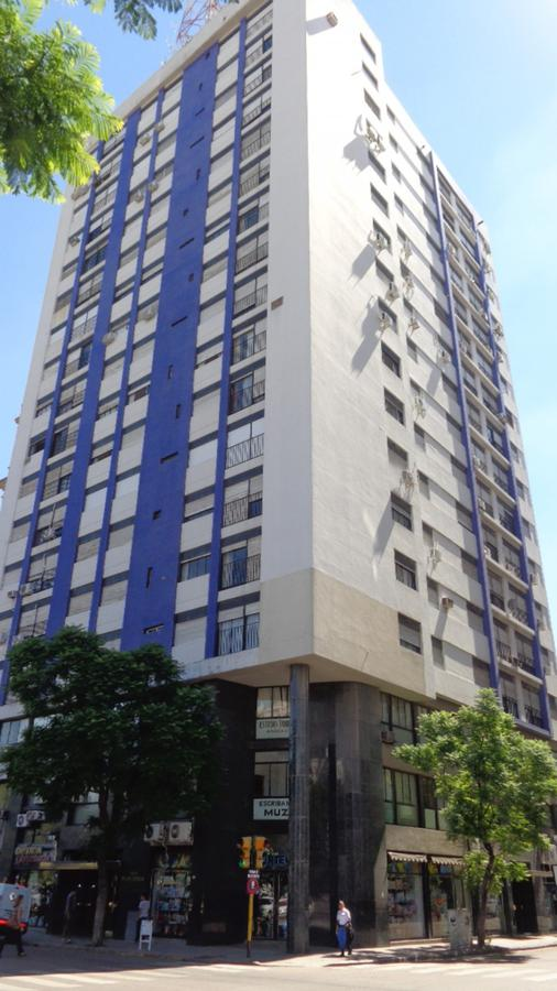 Foto Departamento en Venta en  Bahia Blanca ,  Interior Buenos Aires  Sarmiento 94 - Piso 13 A - Ed. Caviglia