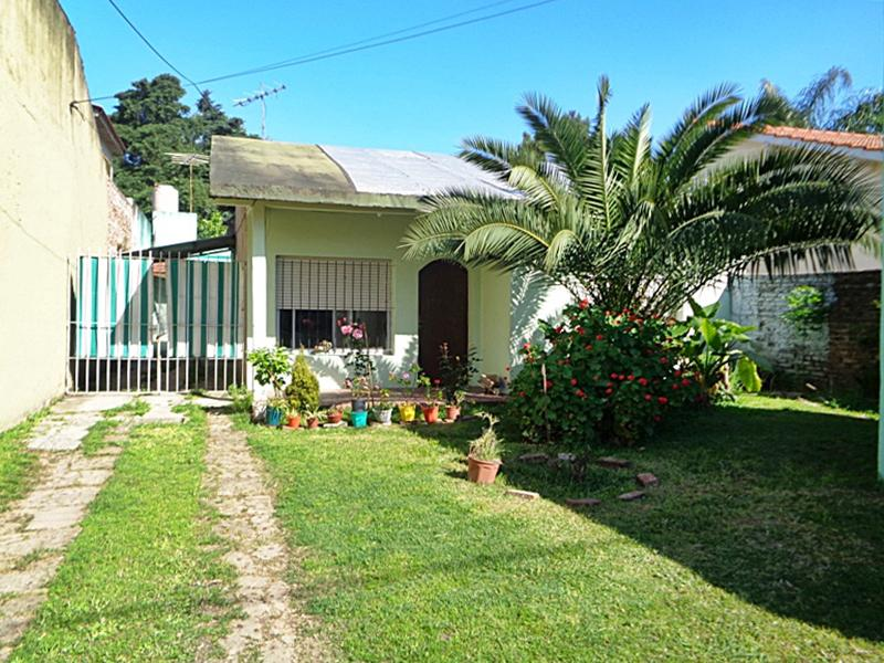 Foto Casa en Venta en  Jose Leon Suarez,  General San Martin  Zeballos al 1300