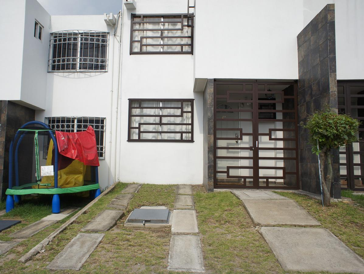 Foto Casa en Renta en  Bosques de la Colmena,  Nicolás Romero  Circuito lago sur Mz 5 Lte 8, Residencial del lago, Nicolas Romero