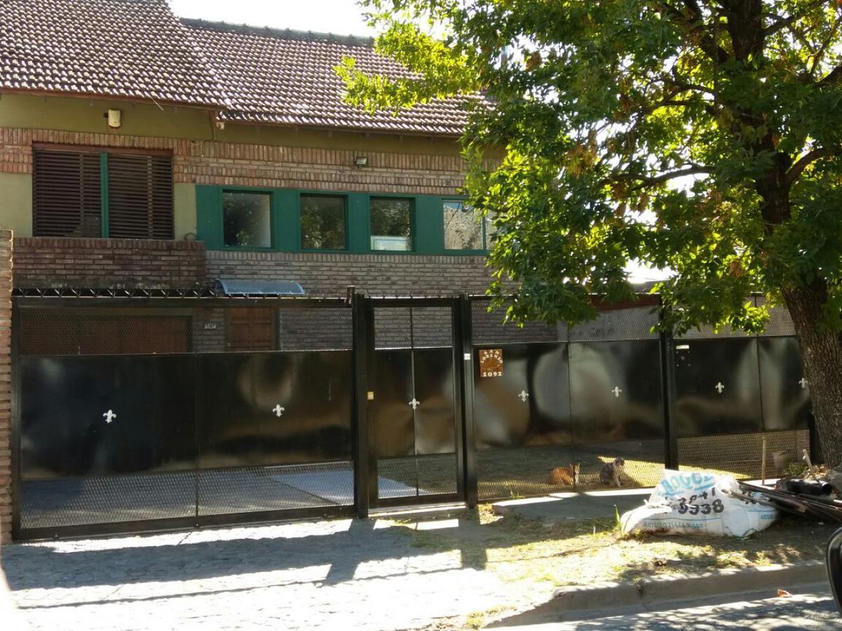 Foto Casa en Venta en  San Miguel ,  G.B.A. Zona Norte  San Lorenzo al 1000