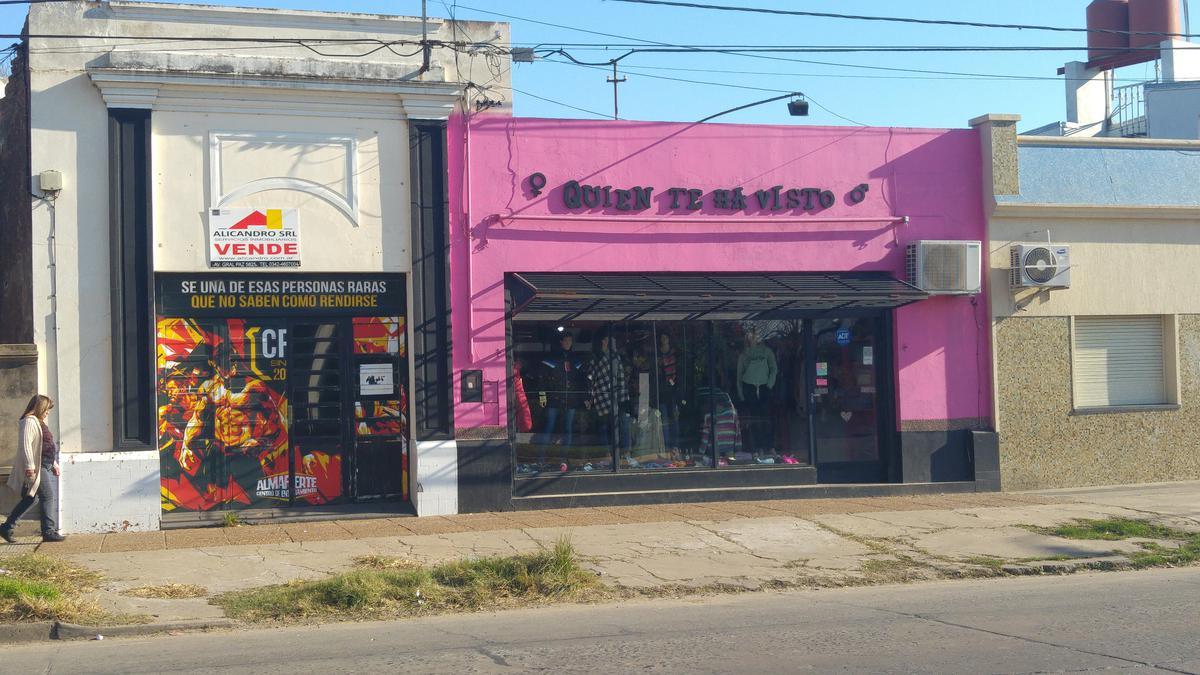 Foto Local en Venta en  La Capital ,  Santa Fe  GRAL PAZ al 4900