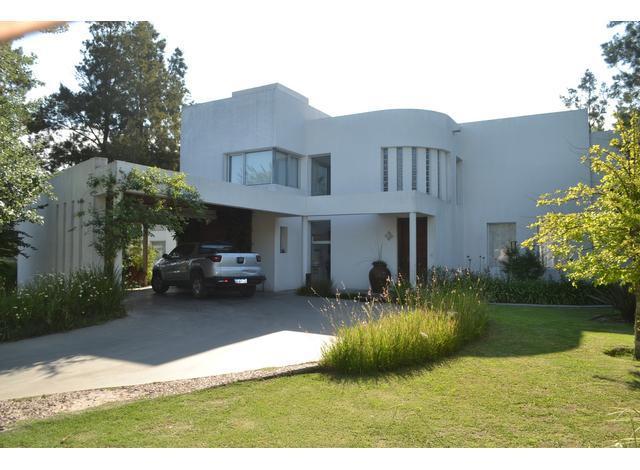 Foto Casa en Venta en  Aldea Fisherton,  Rosario  Country Aldea Lago