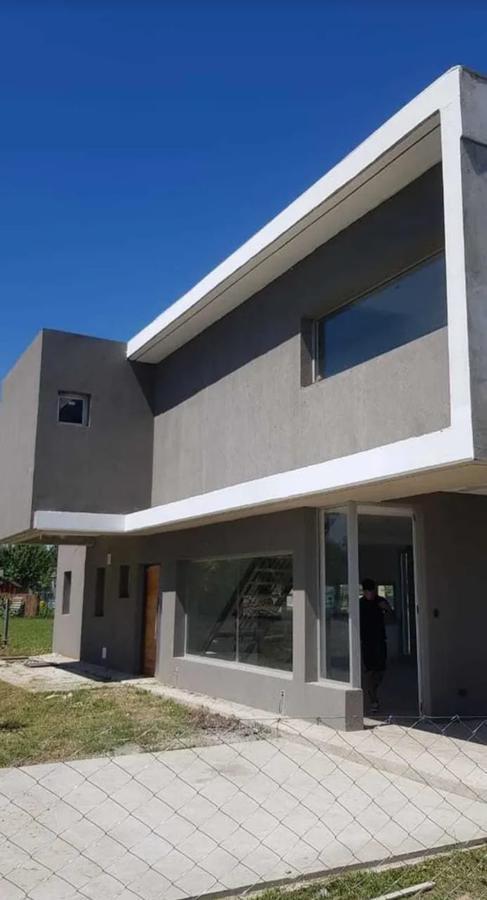 Foto Casa en Alquiler en  Escobar ,  G.B.A. Zona Norte  Alquiler casa 3 dormitorios