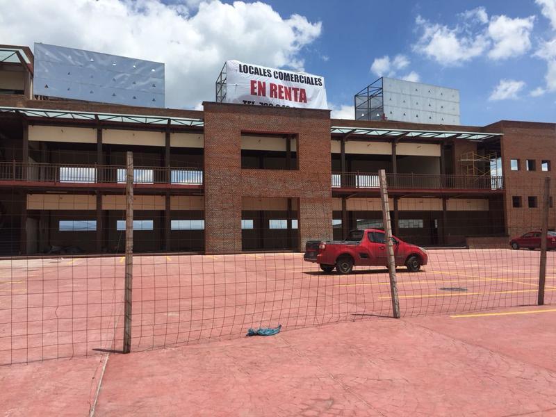 Foto Local en Renta en  El Espino Xonacatlán,  Xonacatlán  Locales comerciales en Renta, Plaza Río, Carretera Toluca-Naucalpan