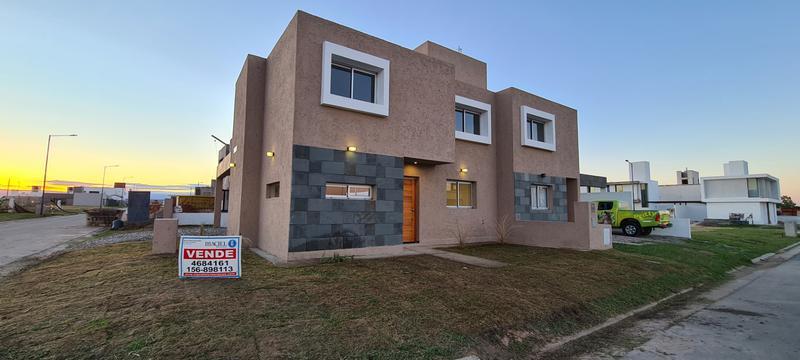 Foto Casa en Venta en  San Ignacio Village,  Cordoba Capital  Duplex a estrenar - San Ignacio Village Manantiales - 2 dorm, calefacción central!