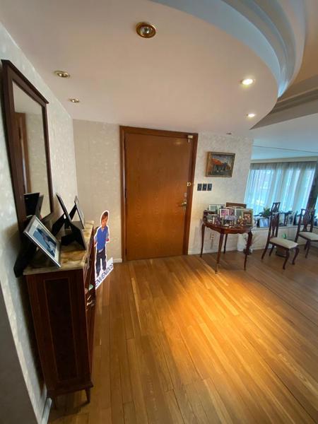 Foto Departamento en Venta en  Punta Carretas ,  Montevideo  A metros de la Rambla de Punta Carretas tres dormitorios, servicio completo ,garaje doble
