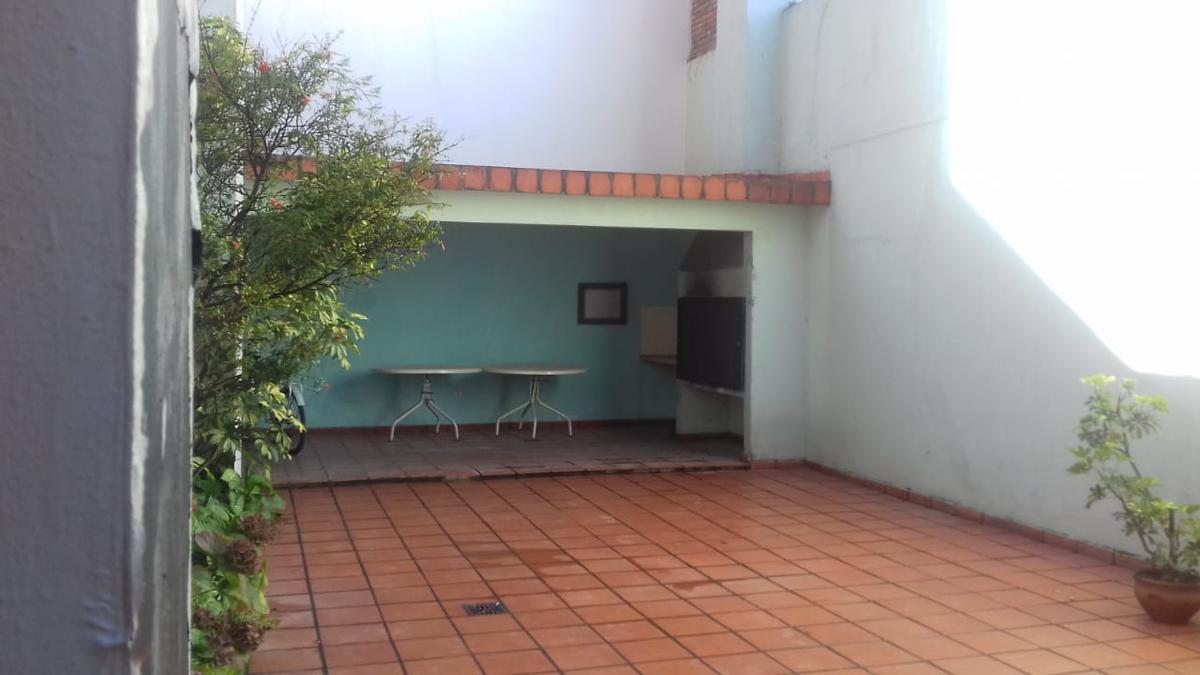 Foto Departamento en Alquiler en  Centro,  Rosario  Departamento 2 dormitorios con quincho y parrilla - Montevideo 1021 08-03