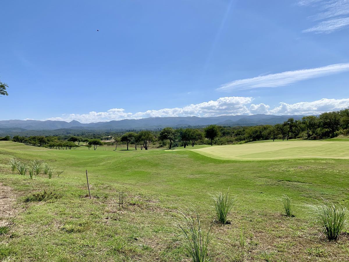 Foto Terreno en Venta en  Mendiolaza,  Colon  Lote Fondo Golf  Estancia el Terron - 1476 m2 - Precio Pos Pandemia