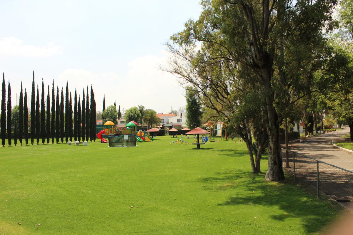 Foto Terreno en Venta en  Querétaro ,  Querétaro  TERRENO EN VENTA EN QUERETARO