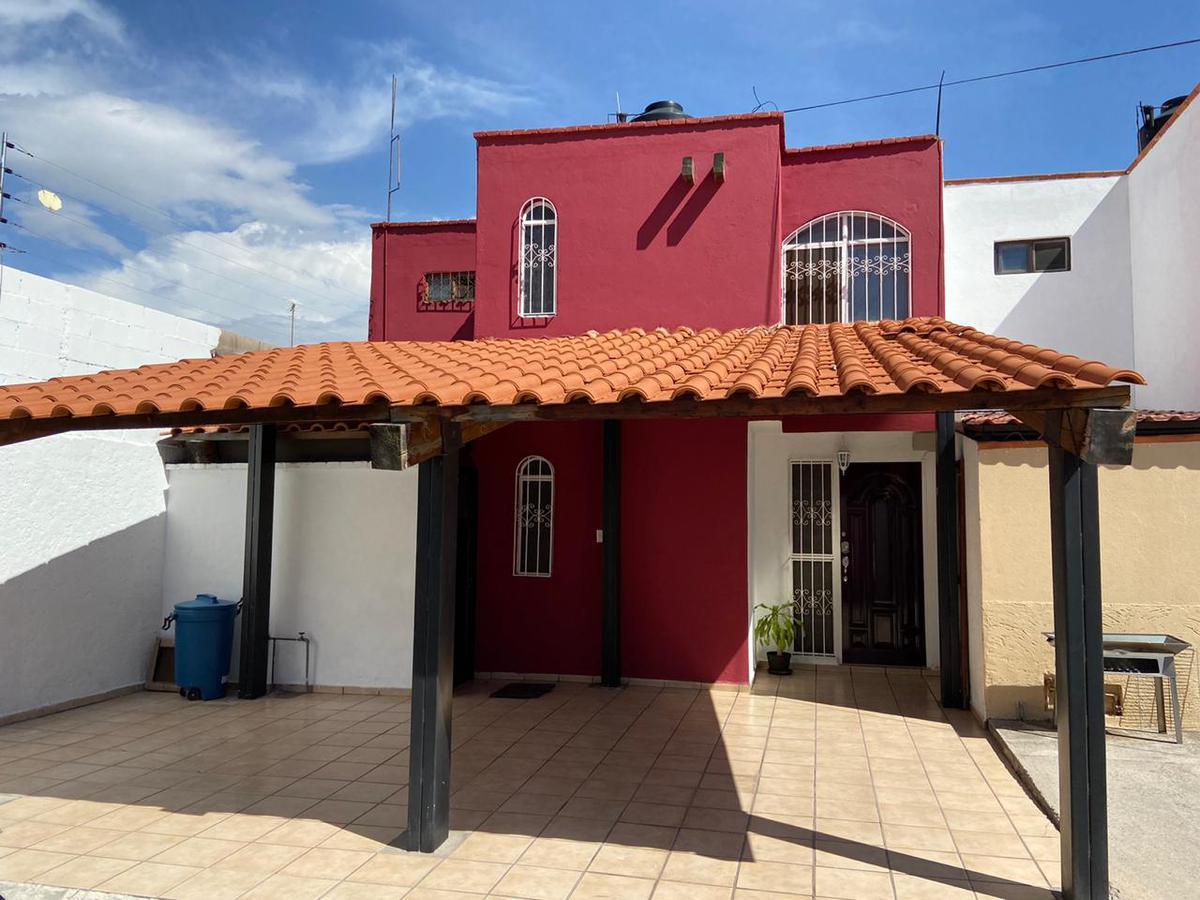Foto Casa en Venta en  San Luis Potosí ,  San luis Potosí  CASA EN VENTA CERCA DE PEDRO MORENO, SAN LUIS POTOSI