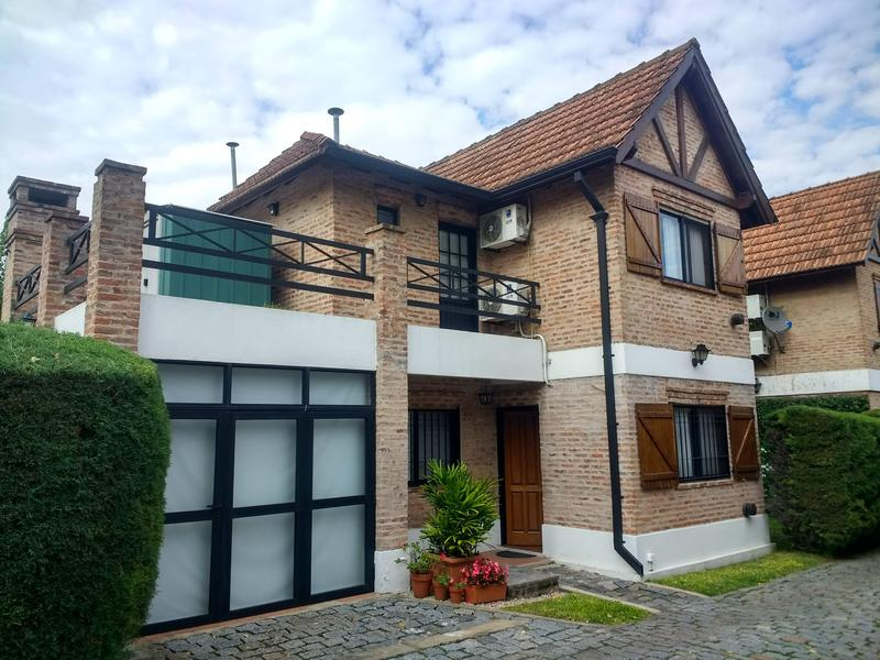 Foto PH en Venta en  Adrogue,  Almirante Brown  Diag. Brown al 1600