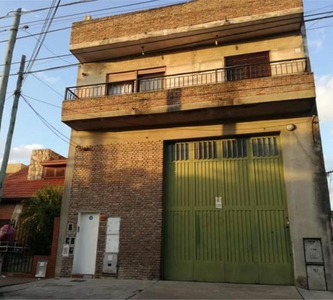 Foto PH en Venta en  Sarandi,  Avellaneda  Zeballos Al  4100