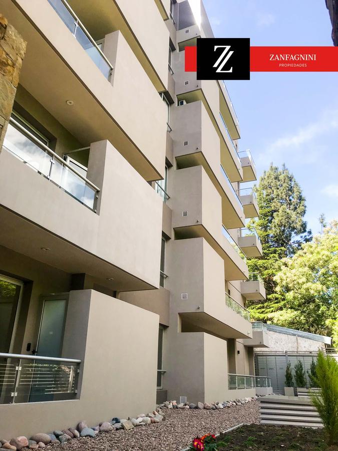 Foto Departamento en Venta en  Mendoza,  Capital  Coronel Plaza y Mitre en 2do piso