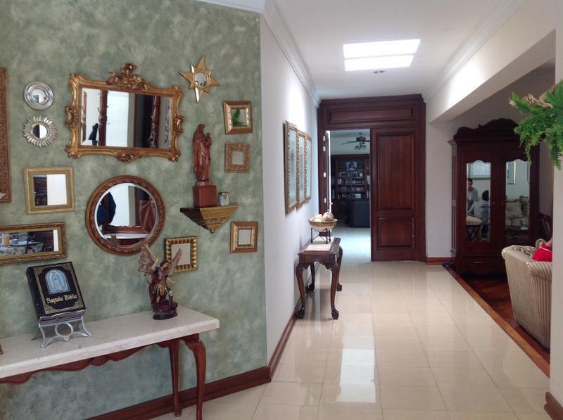 Foto Casa en Venta | Renta en  Fraccionamiento Cumbres del Campestre,  León  Casa en VENTA en Cumbres del Campestre, una planta cómoda, funcional y hermosa!!! Se recibe propiedad a cuenta.