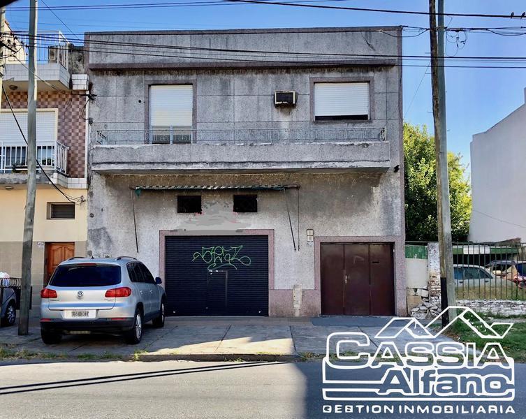 Foto Local en Alquiler en  Lanús Oeste,  Lanús  PEDRERA 1438