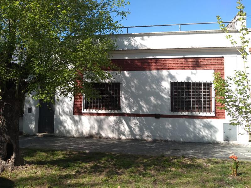 Foto Casa en Venta en  Banfield Este,  Banfield  Cabrera 115