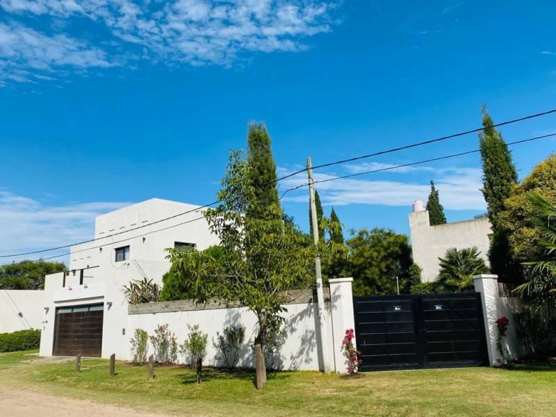 Foto Casa en Venta en  General Belgrano,  General Belgrano  Calle 121 y 52 al 500