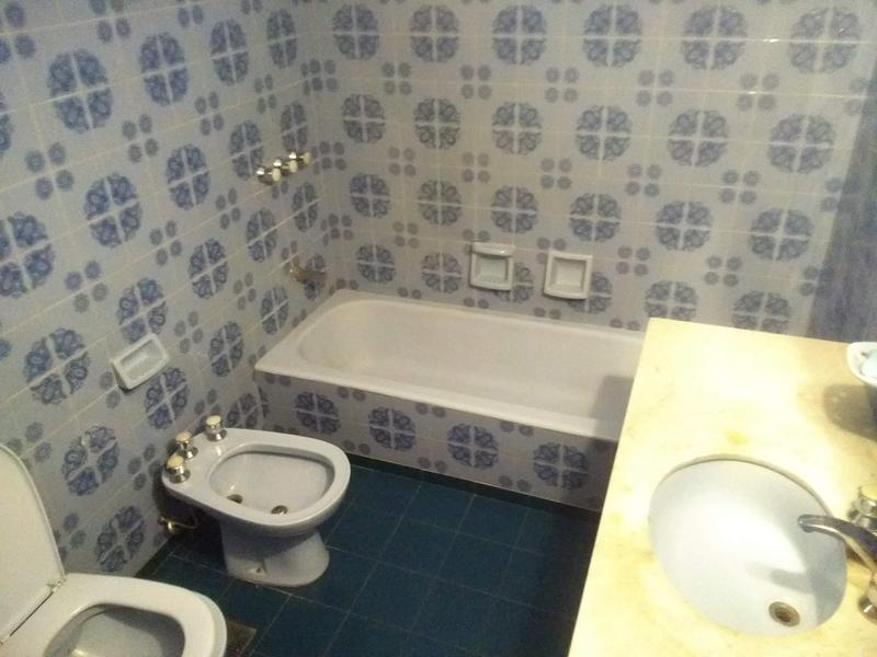 Foto Casa en Venta en  Adrogue,  Almirante Brown  Rosales al 300