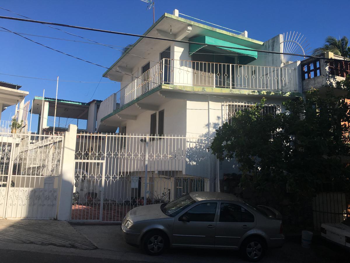Foto Casa en Venta en  Fraccionamiento Las Playas,  Acapulco de Juárez  ALTO MONTE al 100