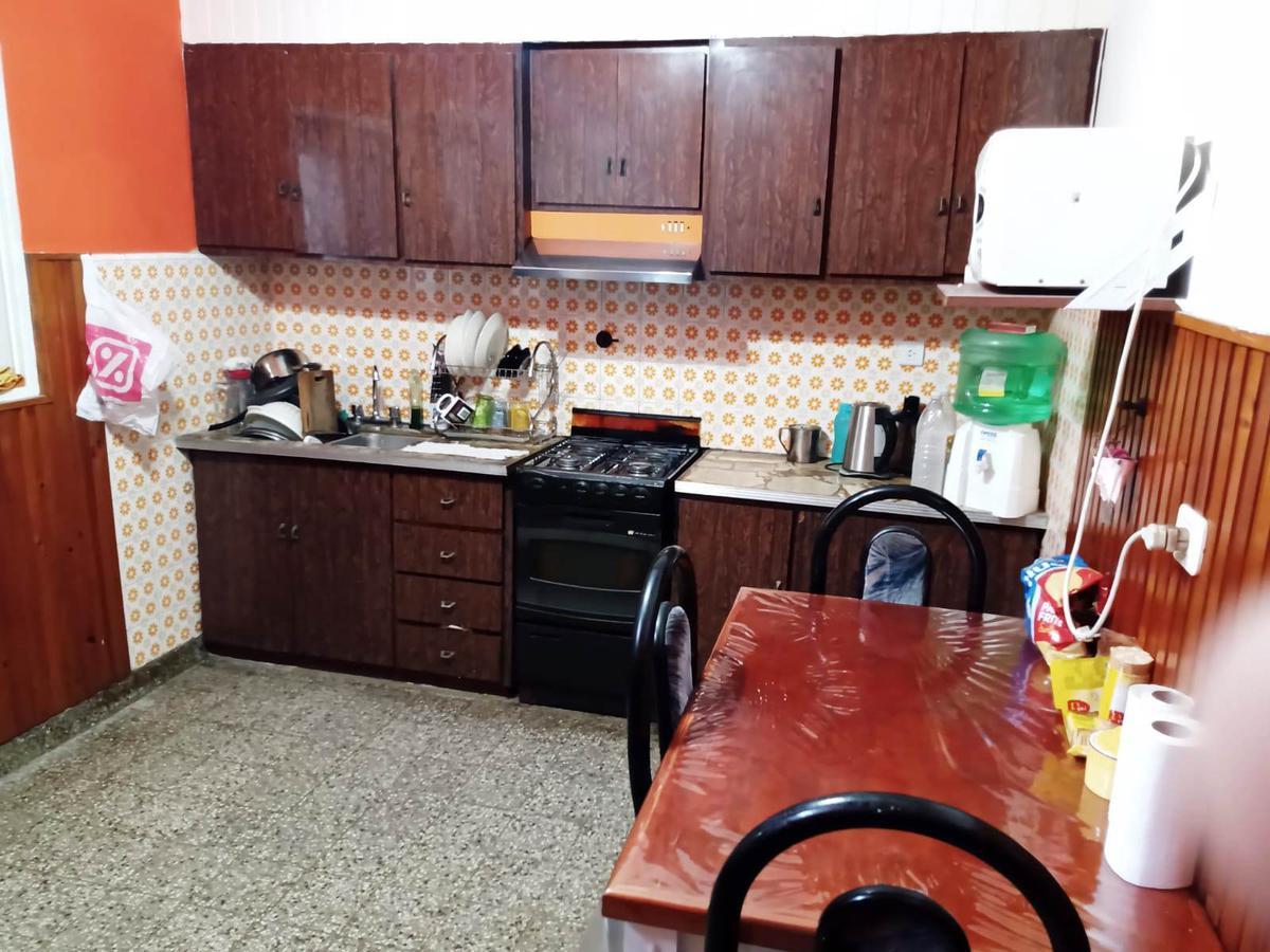 Foto PH en Venta en  Lomas de Zamora Oeste,  Lomas De Zamora  Rivera 1795 N 2