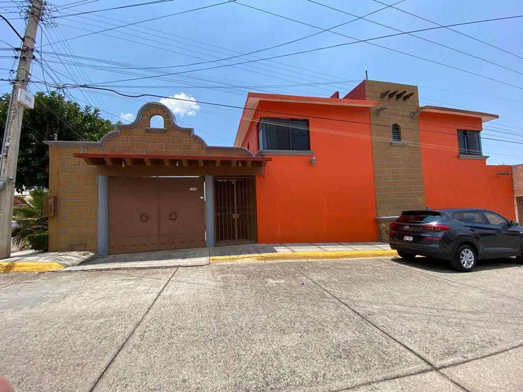 Foto Casa en Renta en  Cuernavaca ,  Morelos  Casa en renta En Jardines de Ahuatlan zona norte Cuernavaca